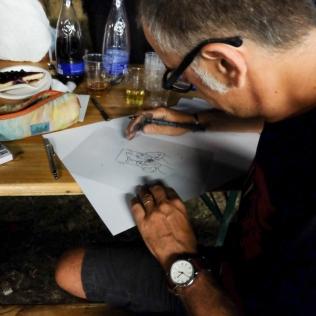 Daniele Pampanelli disegna in negativo per una ciano estemporanea